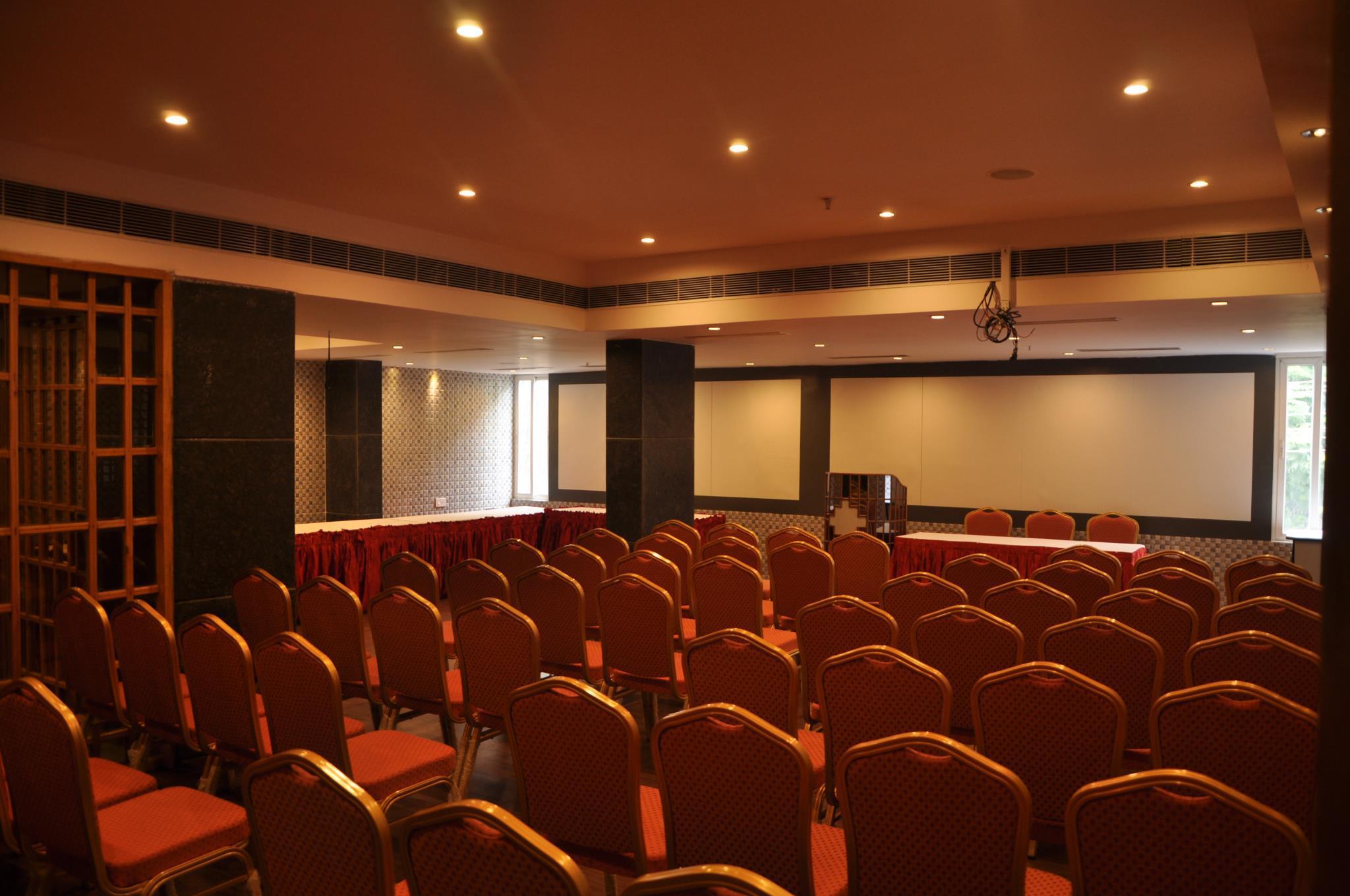 Review Hotel Krishna Residency