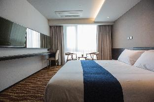 Фото отеля Howard Johnson Jeju Hotel Yeondong