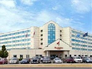 Ramada Plaza and Suites - Fargo