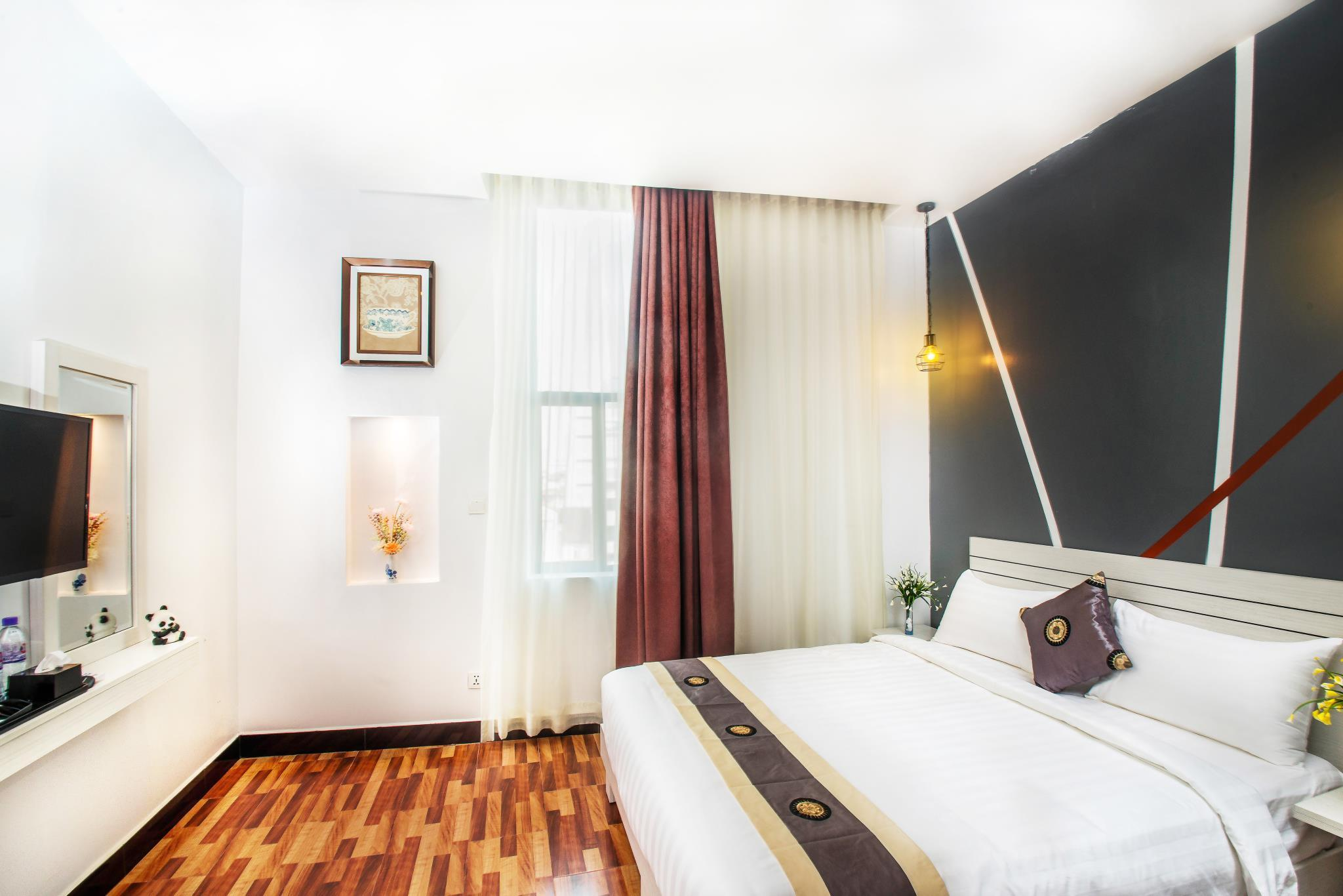 The Panda Hotel Reviews
