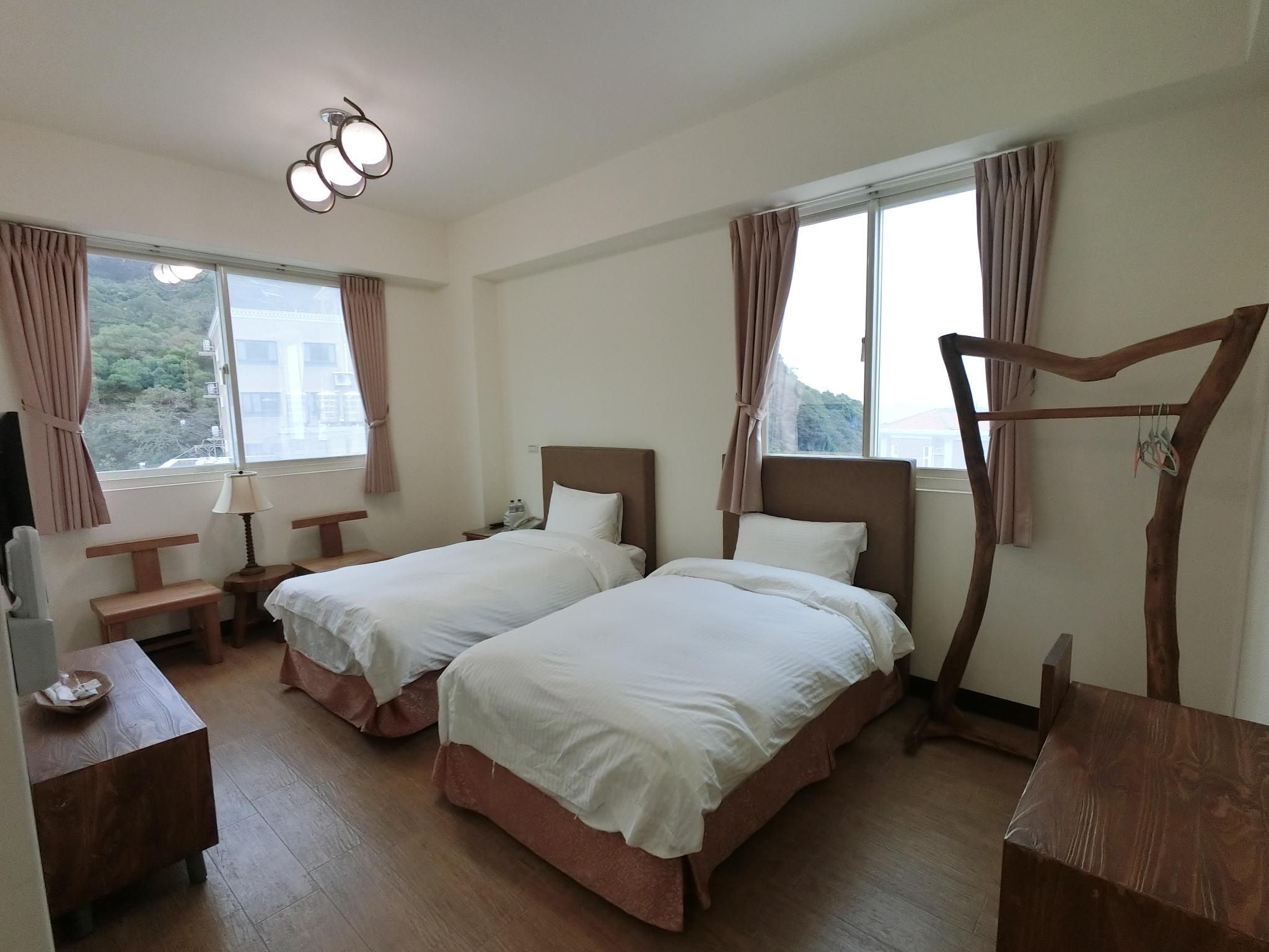 Long Zhi Yue Hotel