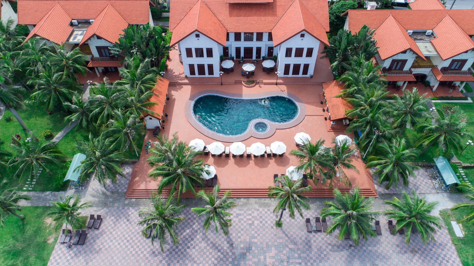 La Paz Resort Ha Long