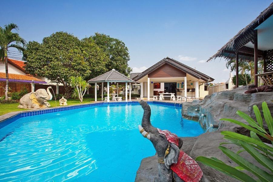 Chang Wat Villa The Naka Phuket-2BR with Pool Chang Wat Villa The Naka Phuket-2BR with Pool