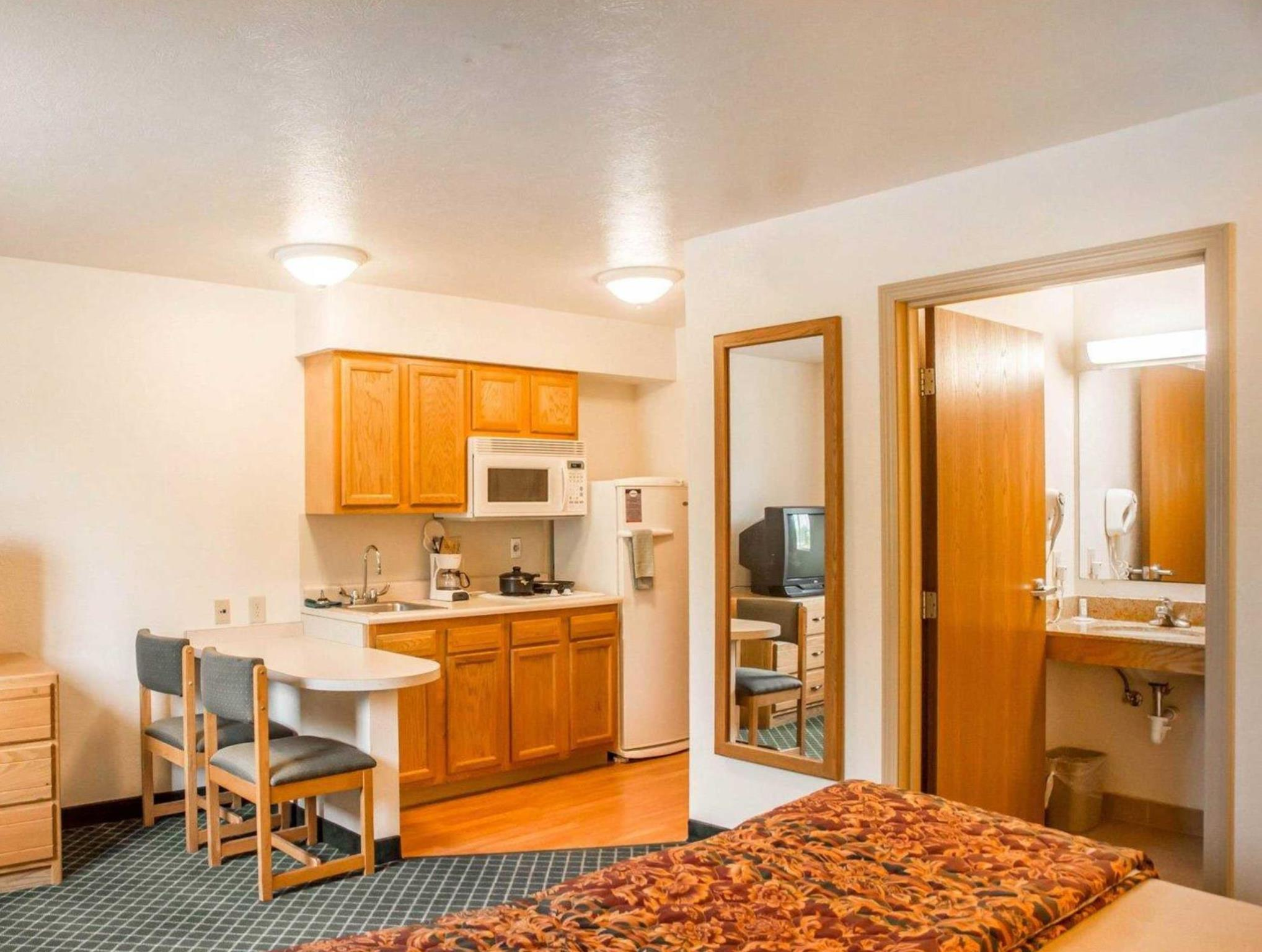 Suburban Extended Stay Hotel Dayton WP AFB