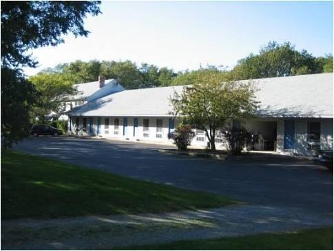 Captains Quarters Motel & Conference Center
