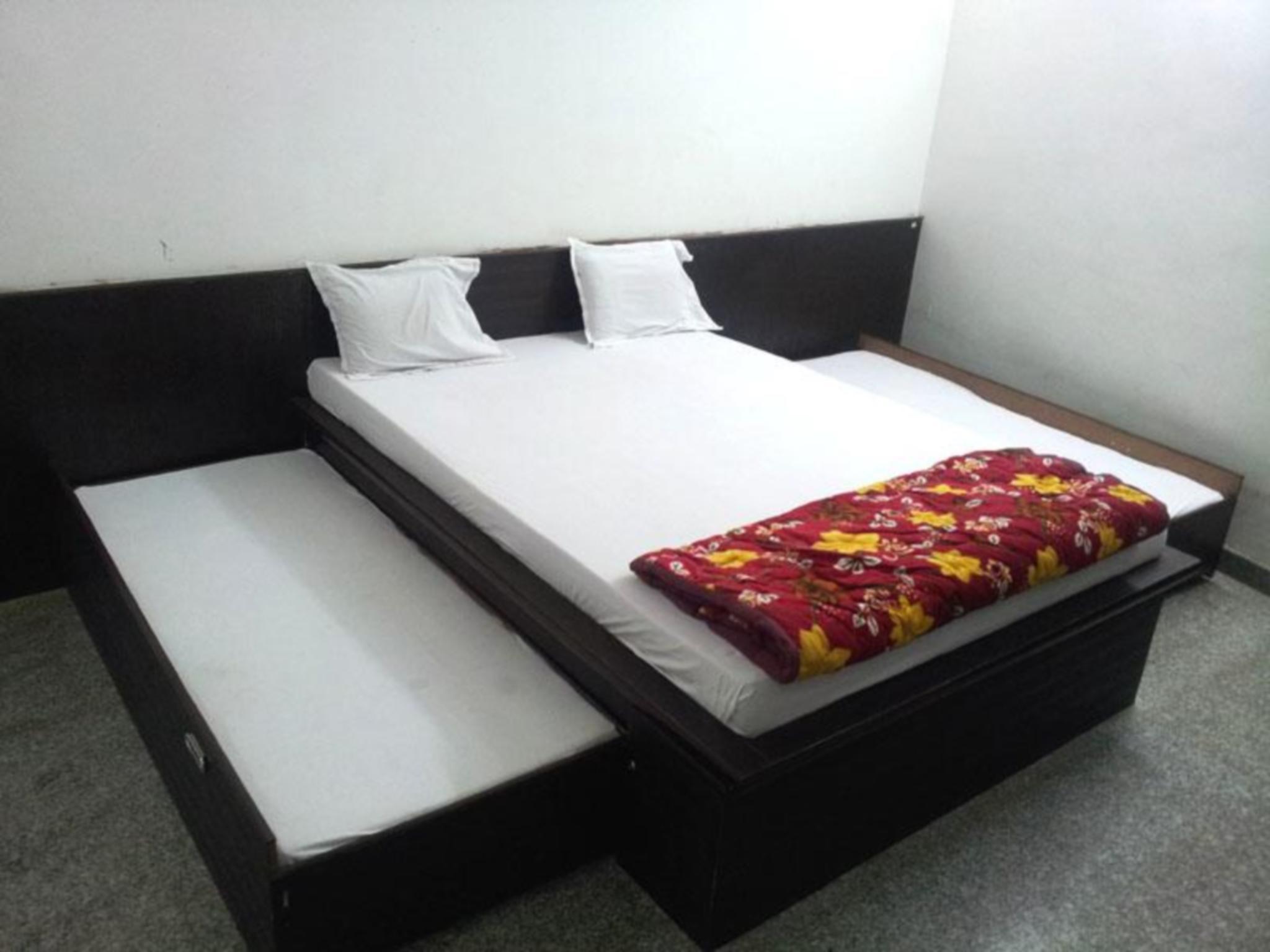 Review Hotel Avtar Palace
