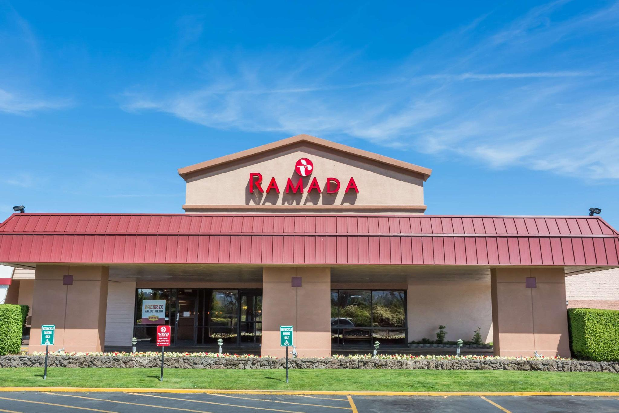 Ramada Hotel And Conference Center By Wyndham Medford