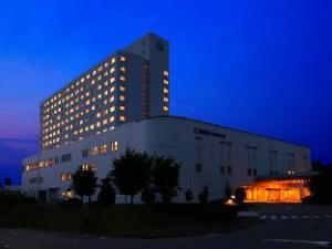 Tonami Royal Hotel
