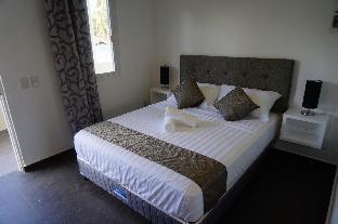 picture 3 of Malinawon Resort
