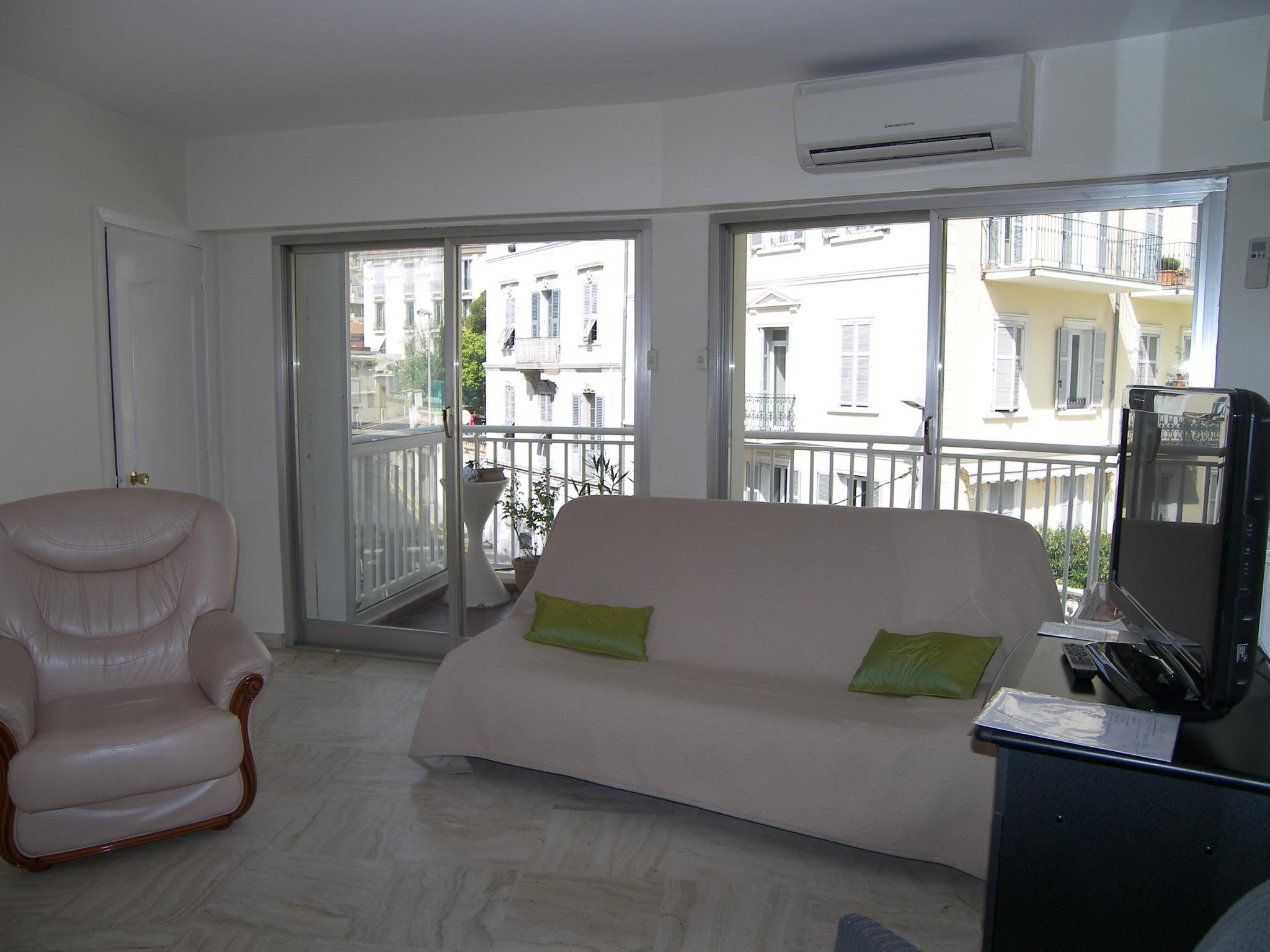 Cute And Spacious Studio Apt Cannes City Center