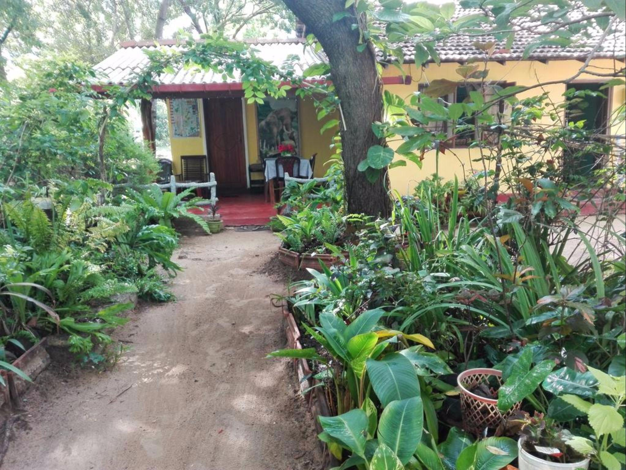 Pathum Guest House