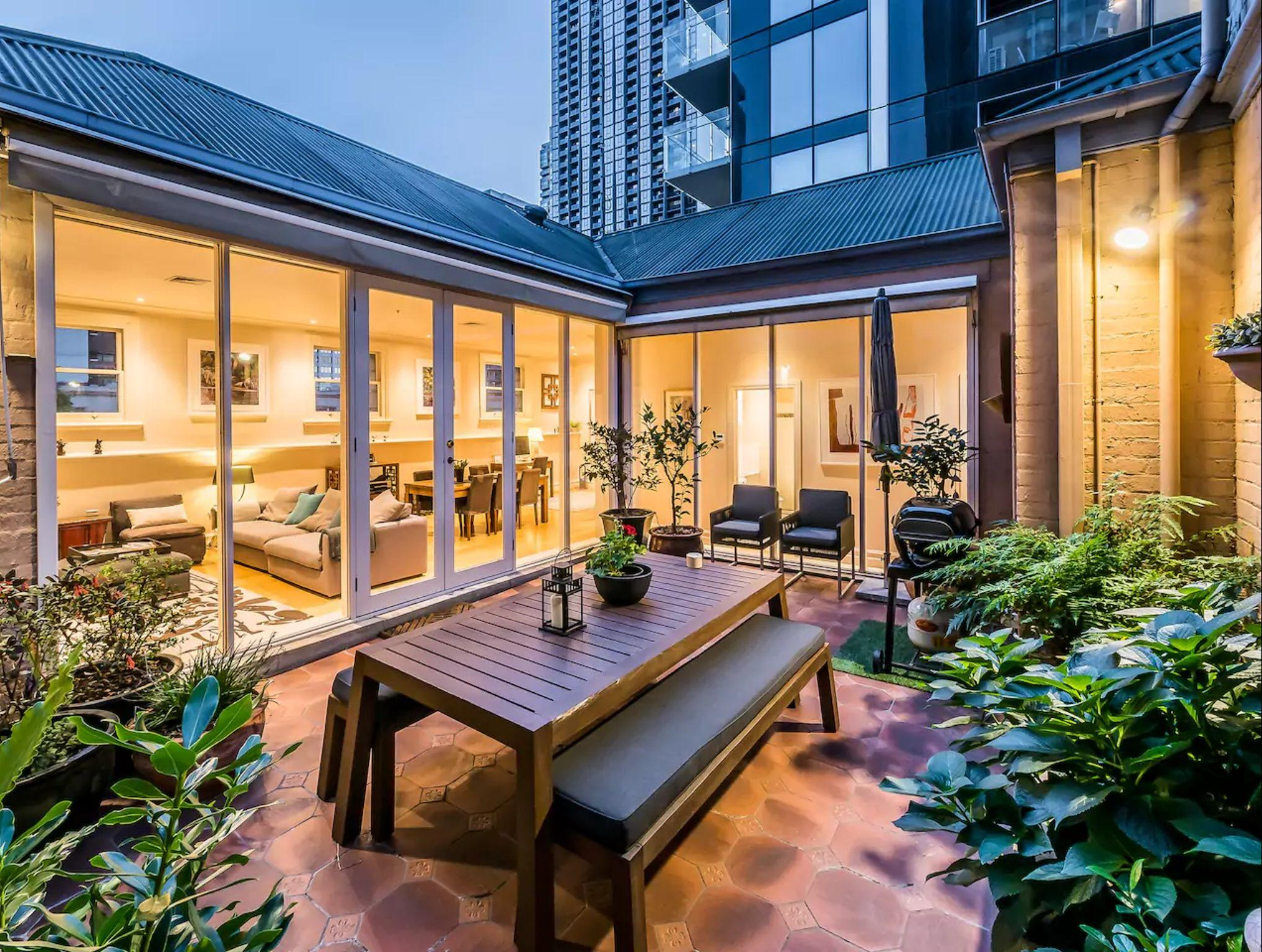 Luxury Penthouse With Private Terrace   CBD