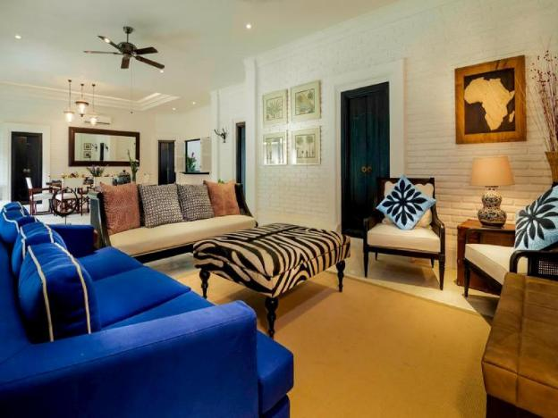 11 Bedrooms Estate, 5* Luxury, Walk to Beach