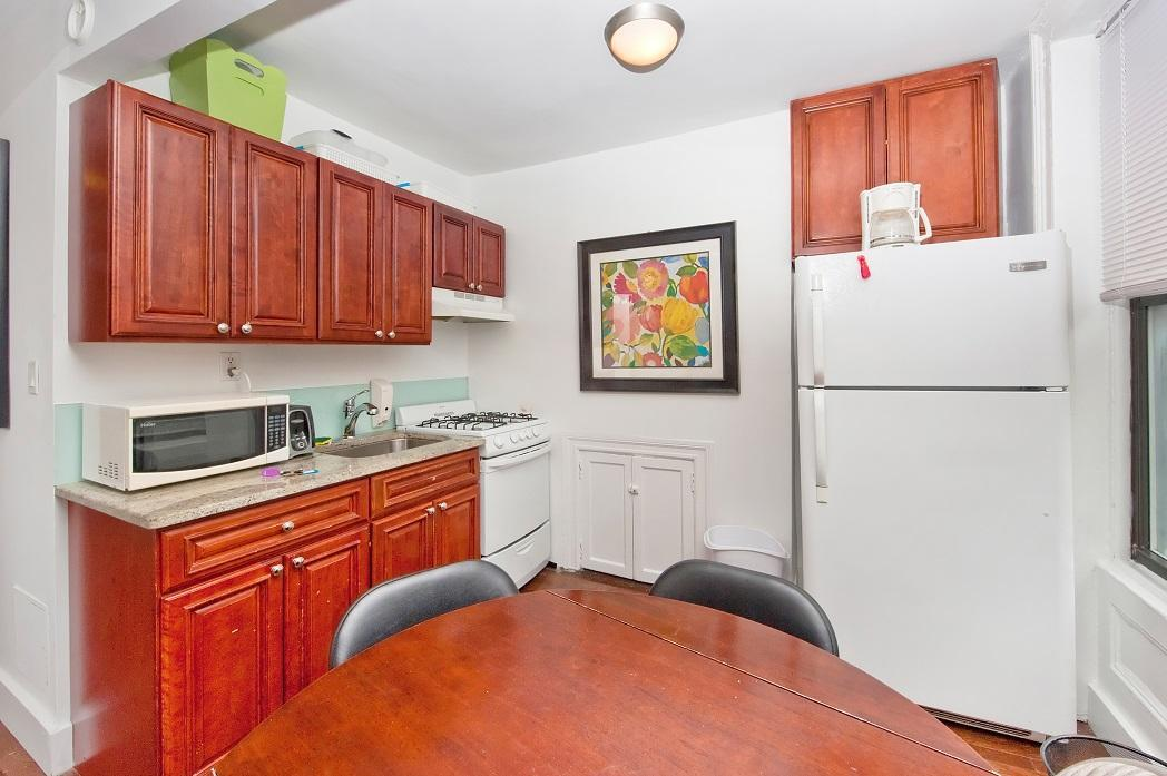 Charming 2BR In Midtown East  7781