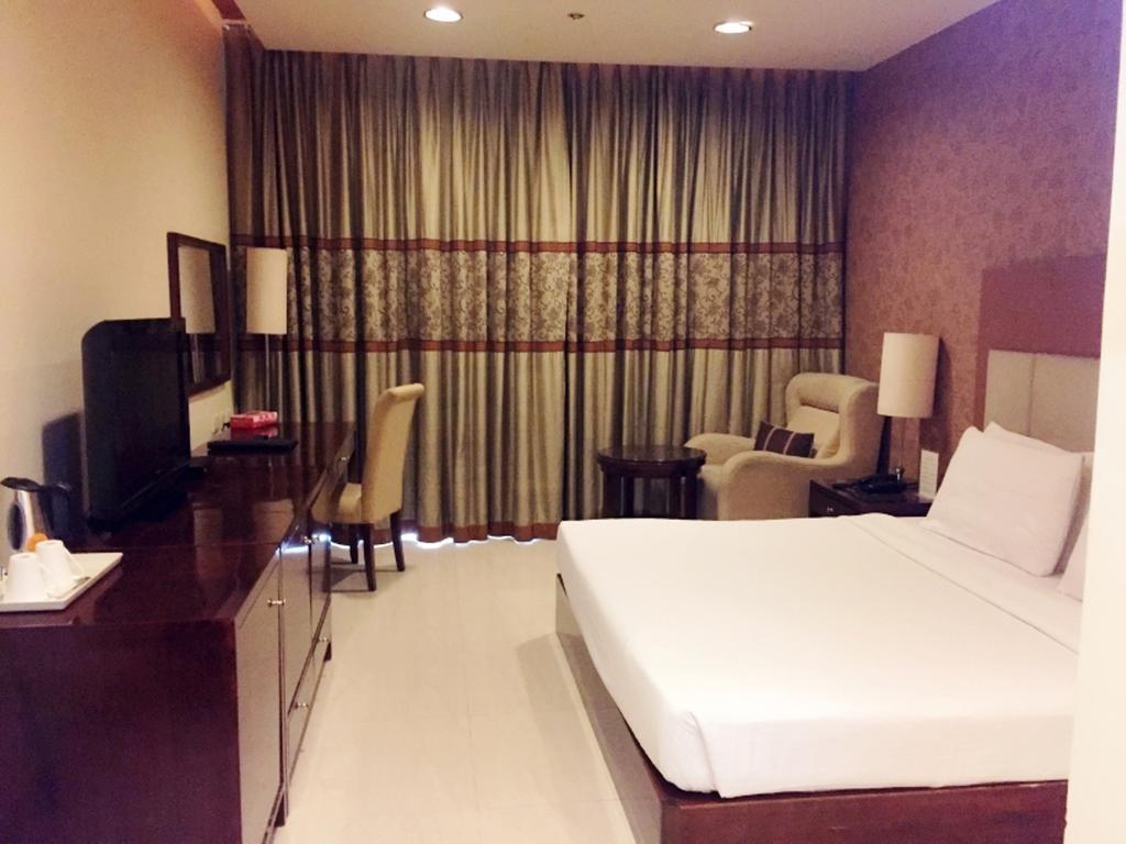 Hotel Vista Delhi 4
