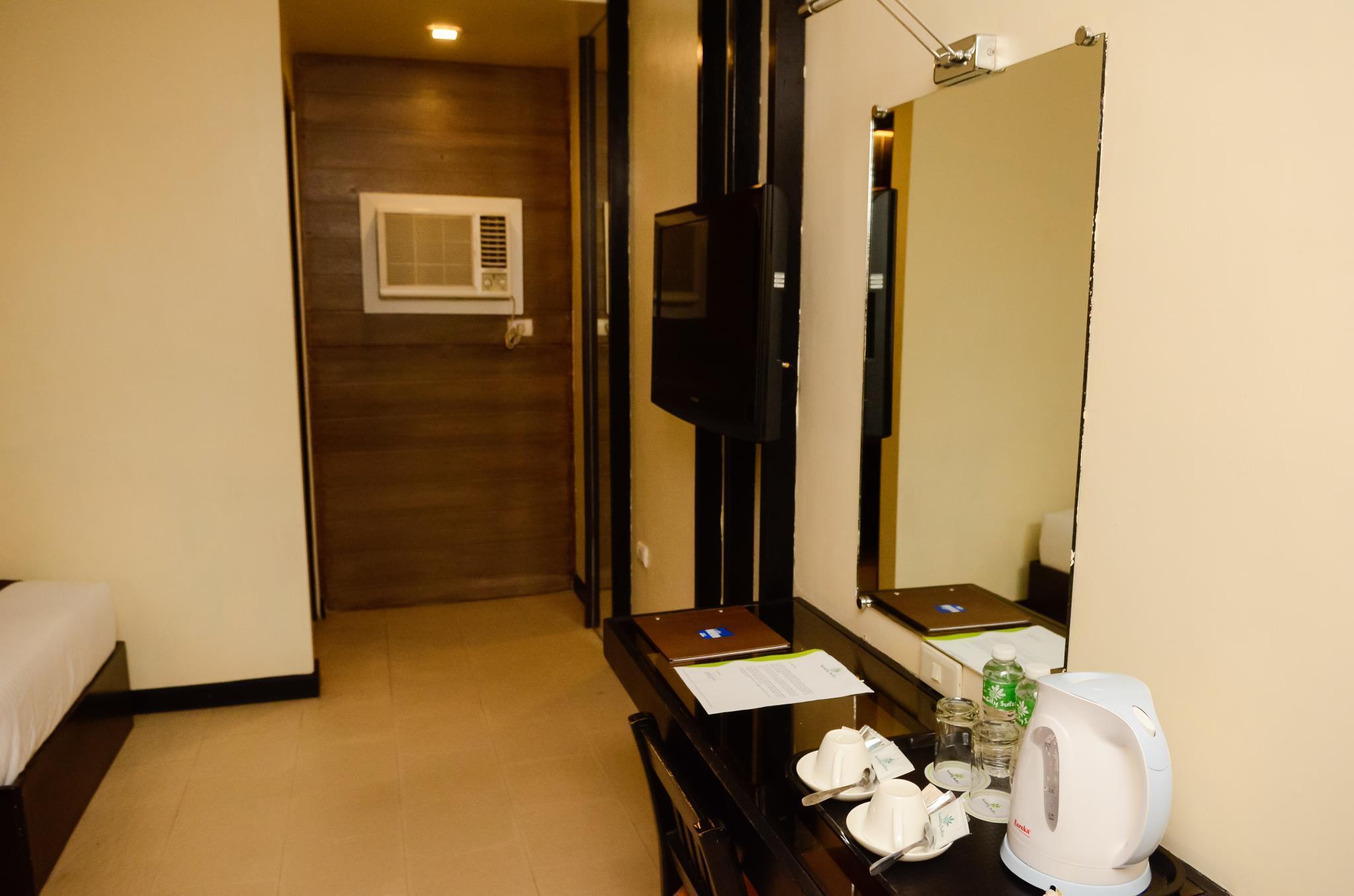Sun City Suites