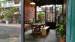 %name Boon Chan Ngarm House Phrasumen Road กรุงเทพ