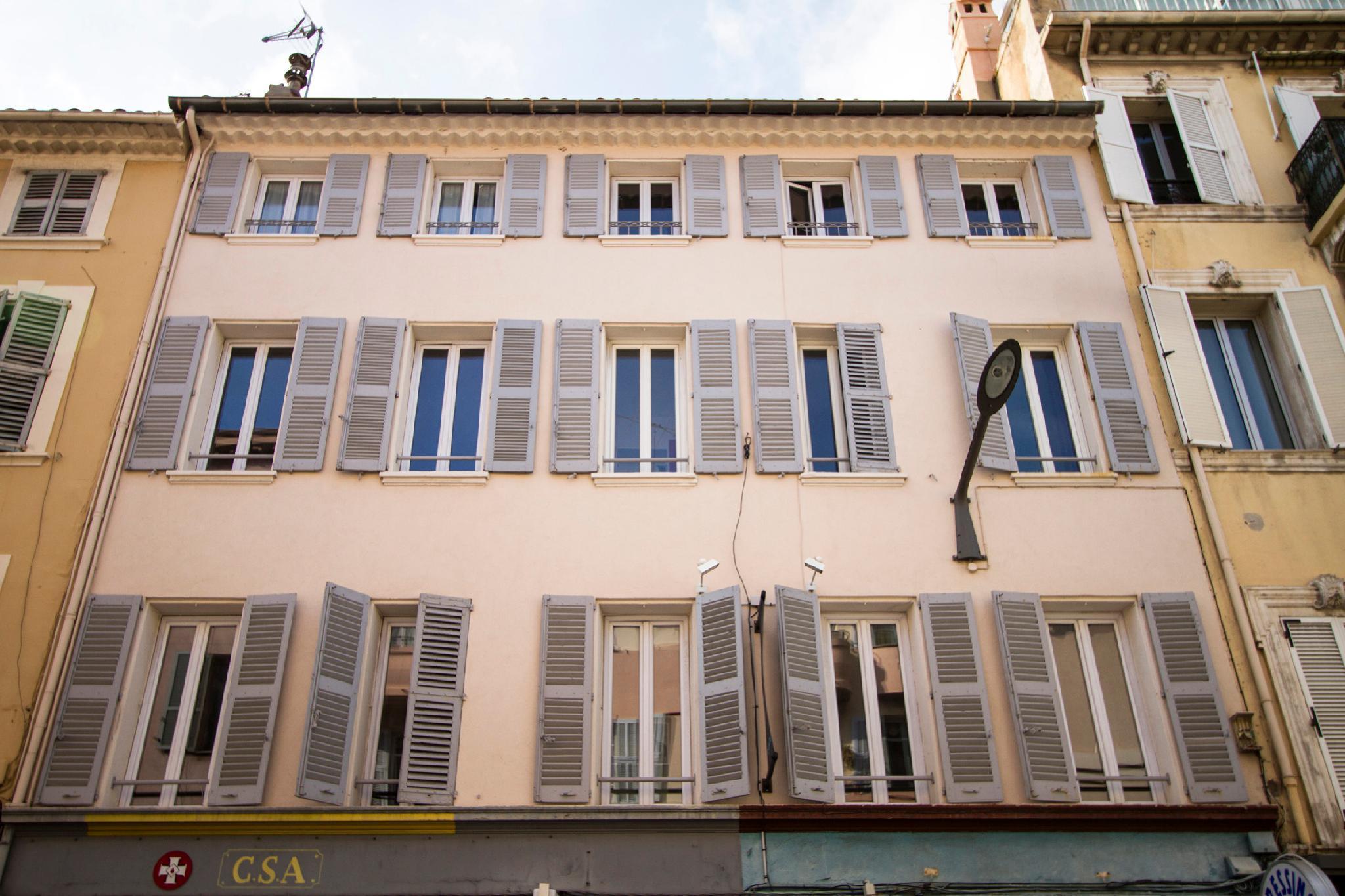 Florella Clemenceau Residence