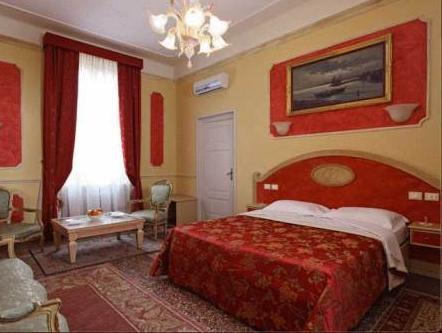 Antica Residenza D'Azeglio RoomandBreakfast Di Charme
