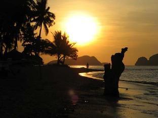 picture 3 of Las Cabanas Beach Resort