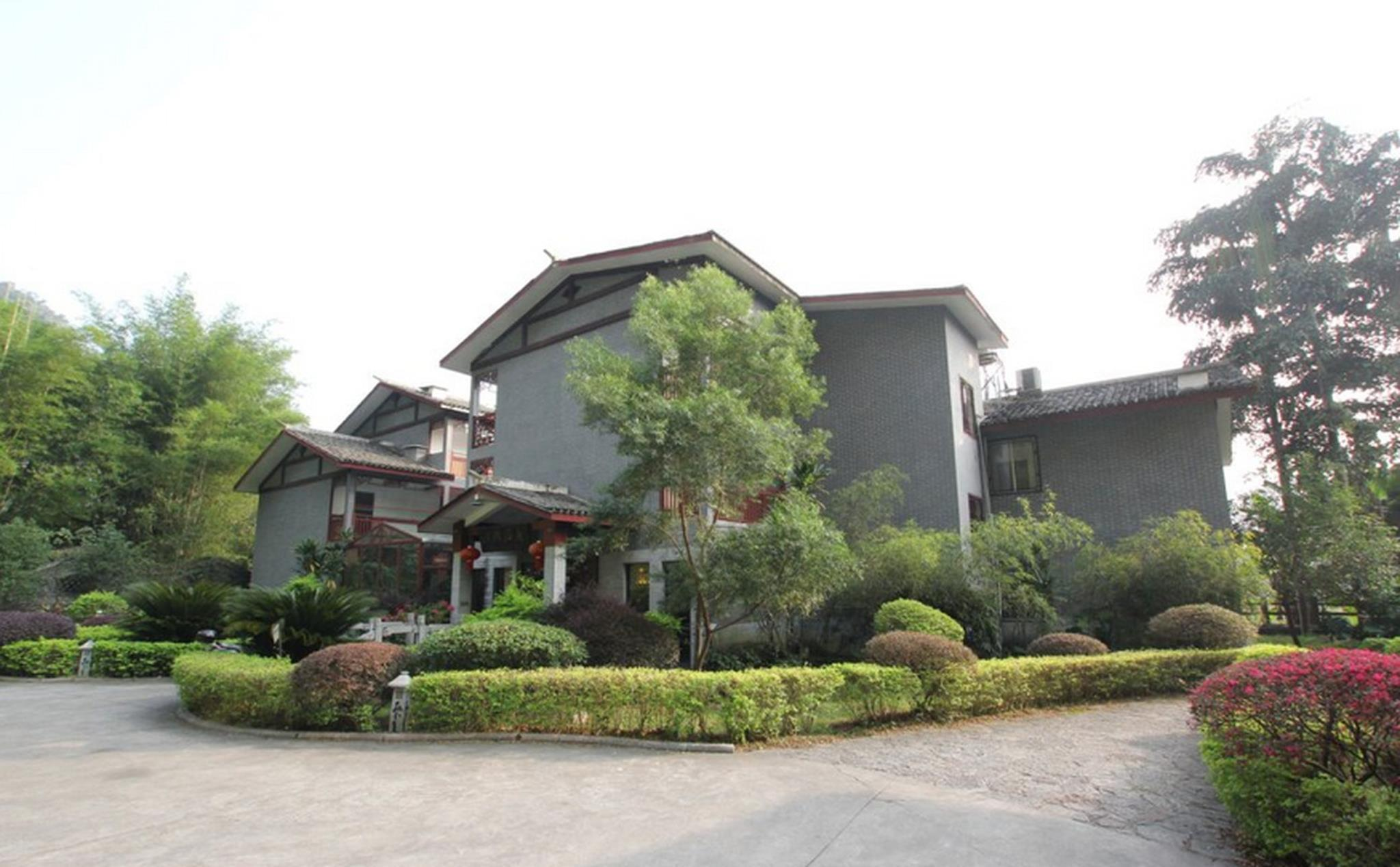 Yangshuo Dragon River Retreat Hotel