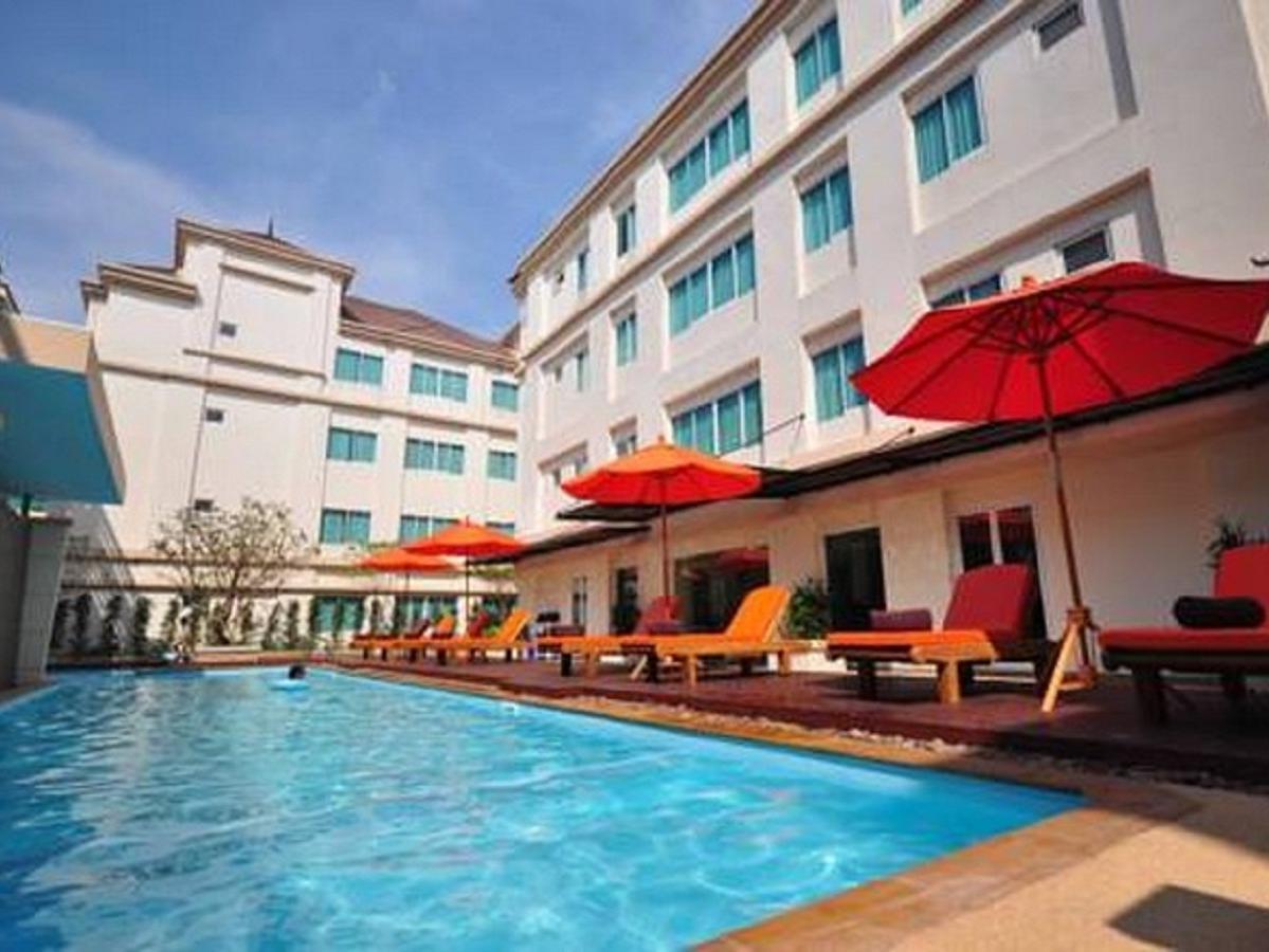 โรงแรมเอเวียน
