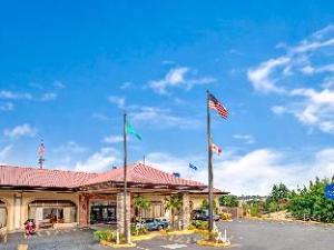 Baymont Inn & Suites Bremerton
