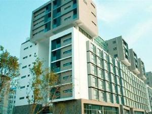 Dalian Yike Yijia Hotel