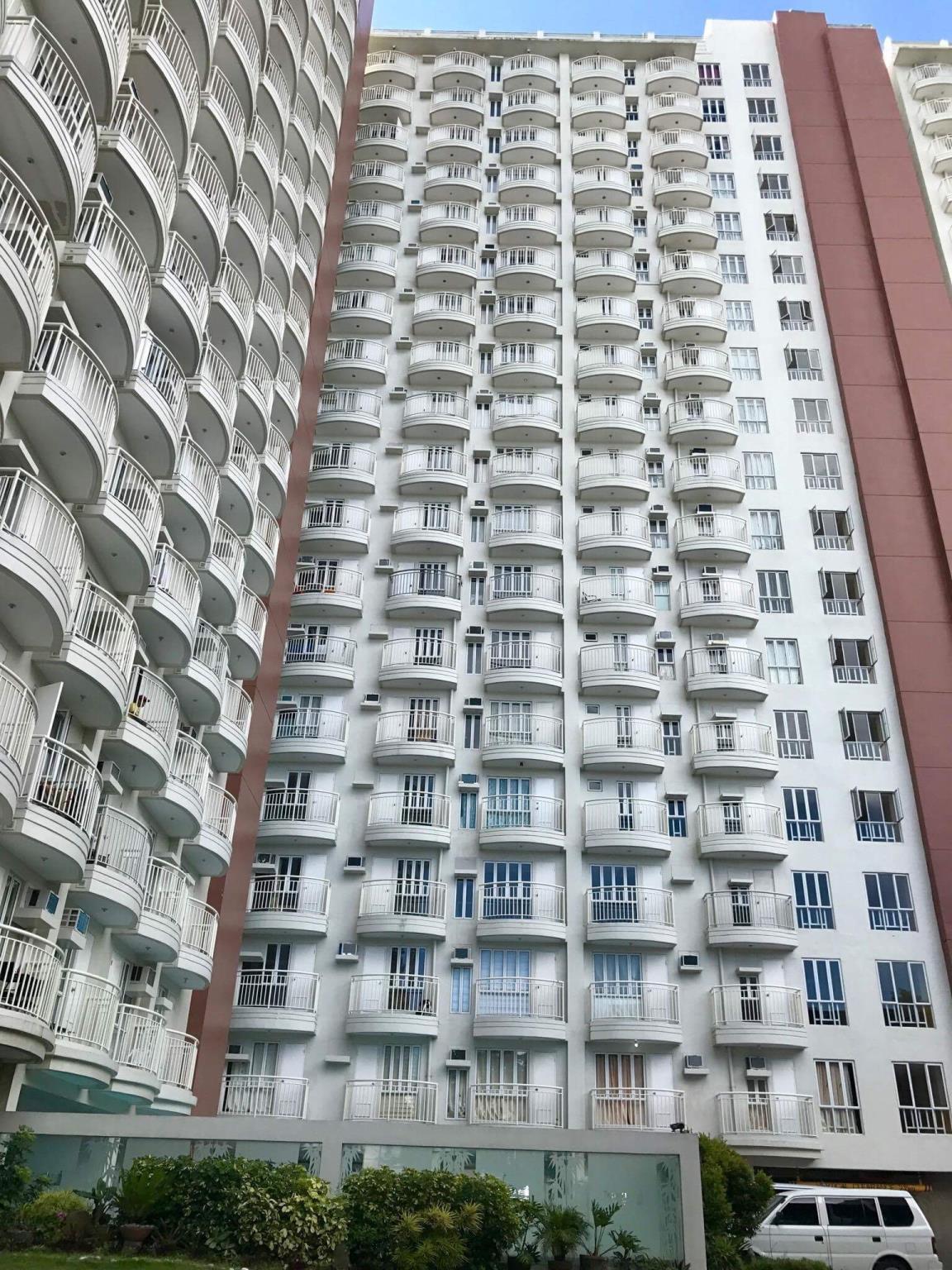 Cozy Greek Chic 1BR Apartelle - Tagaytay City