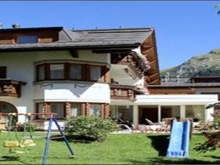Hotel Garni Sursilva