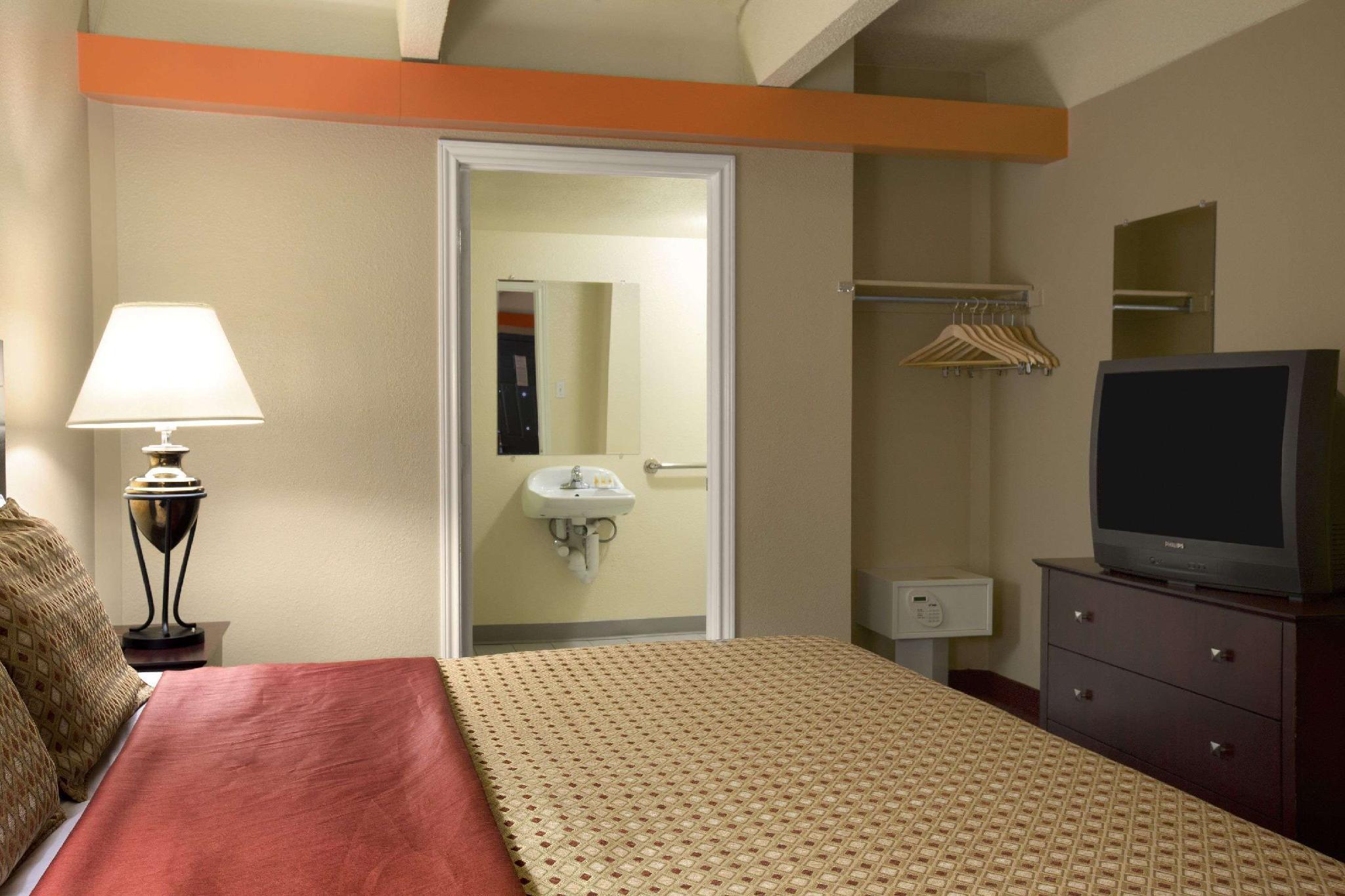 Days Inn By Wyndham Denver Downtown