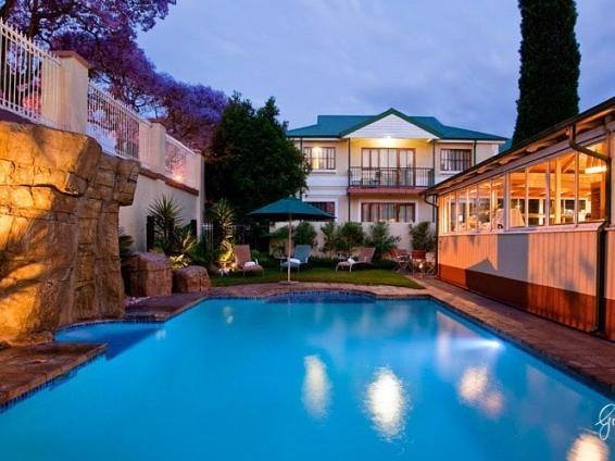Sentinel Luxury Suite Hotel