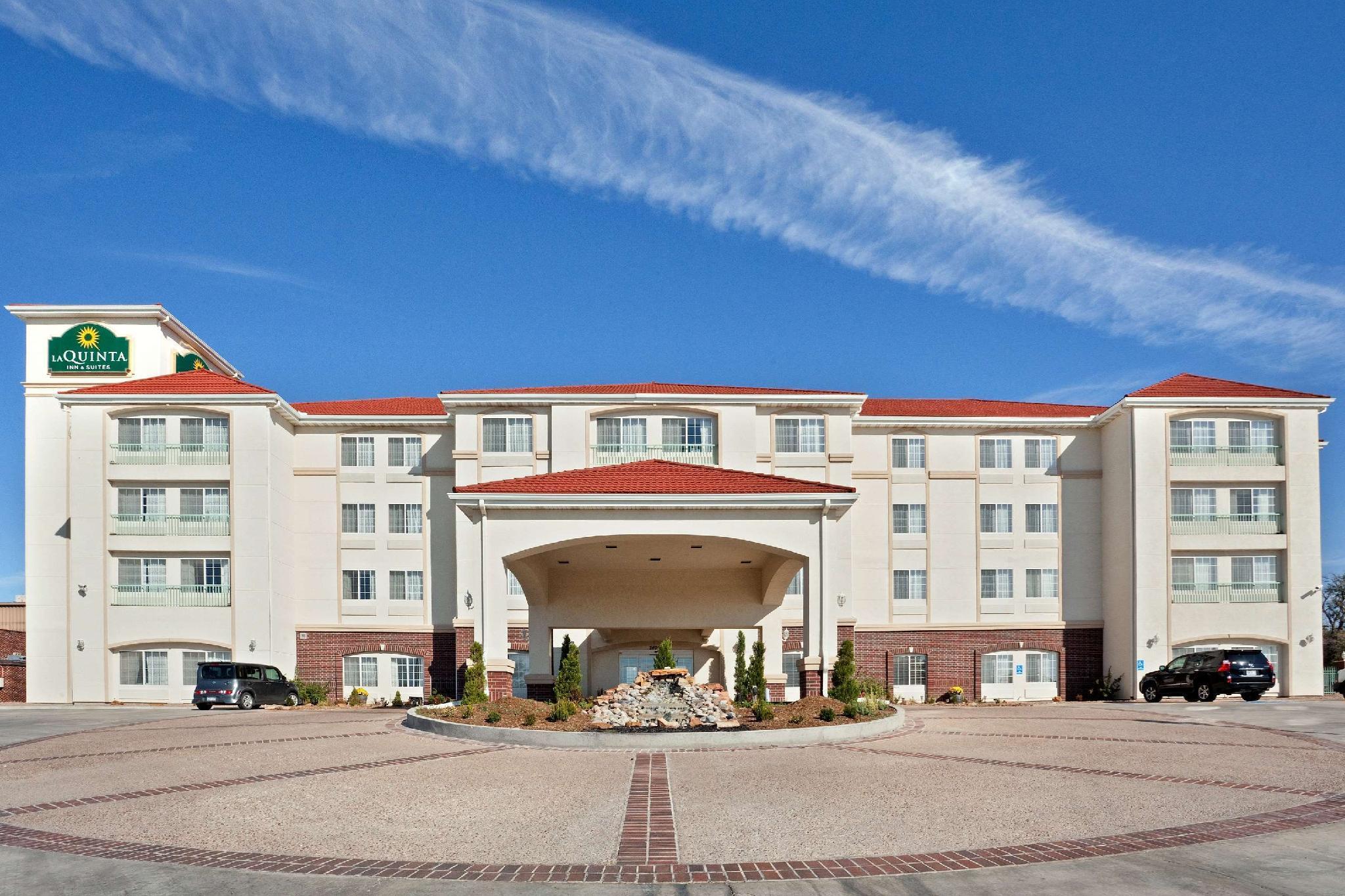 La Quinta Inn And Suites By Wyndham Dodge City