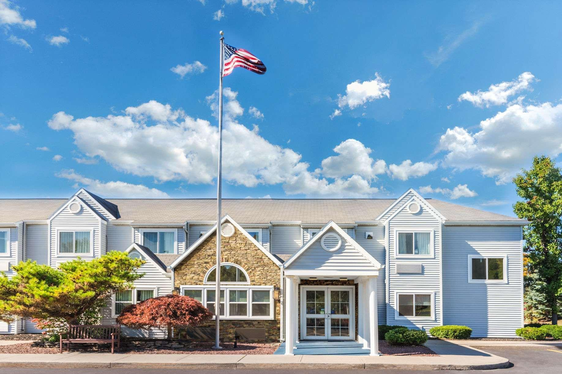 Microtel Inn And Suites By Wyndham Victor Rochester