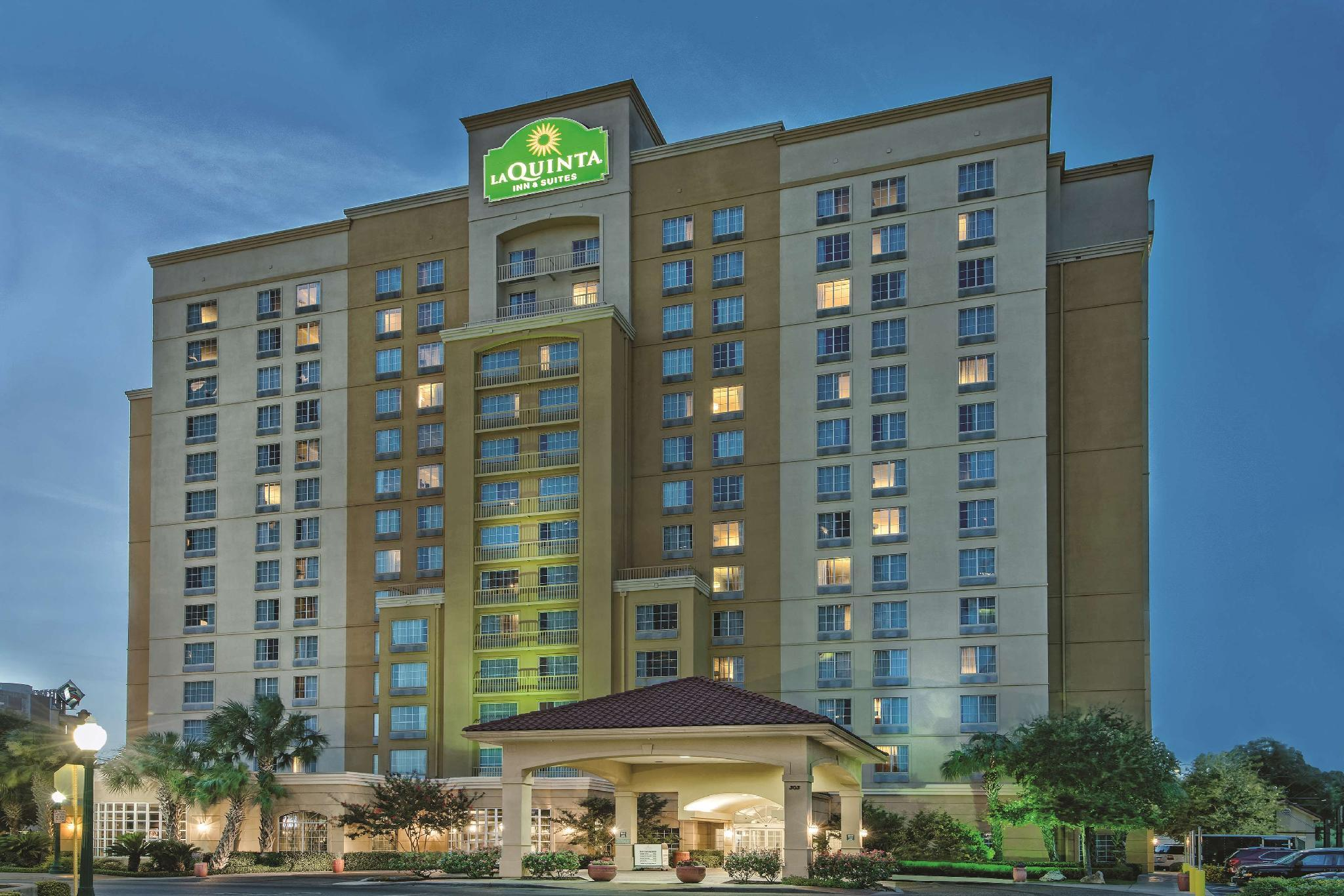 La Quinta Inn And Suites By Wyndham San Antonio Riverwalk