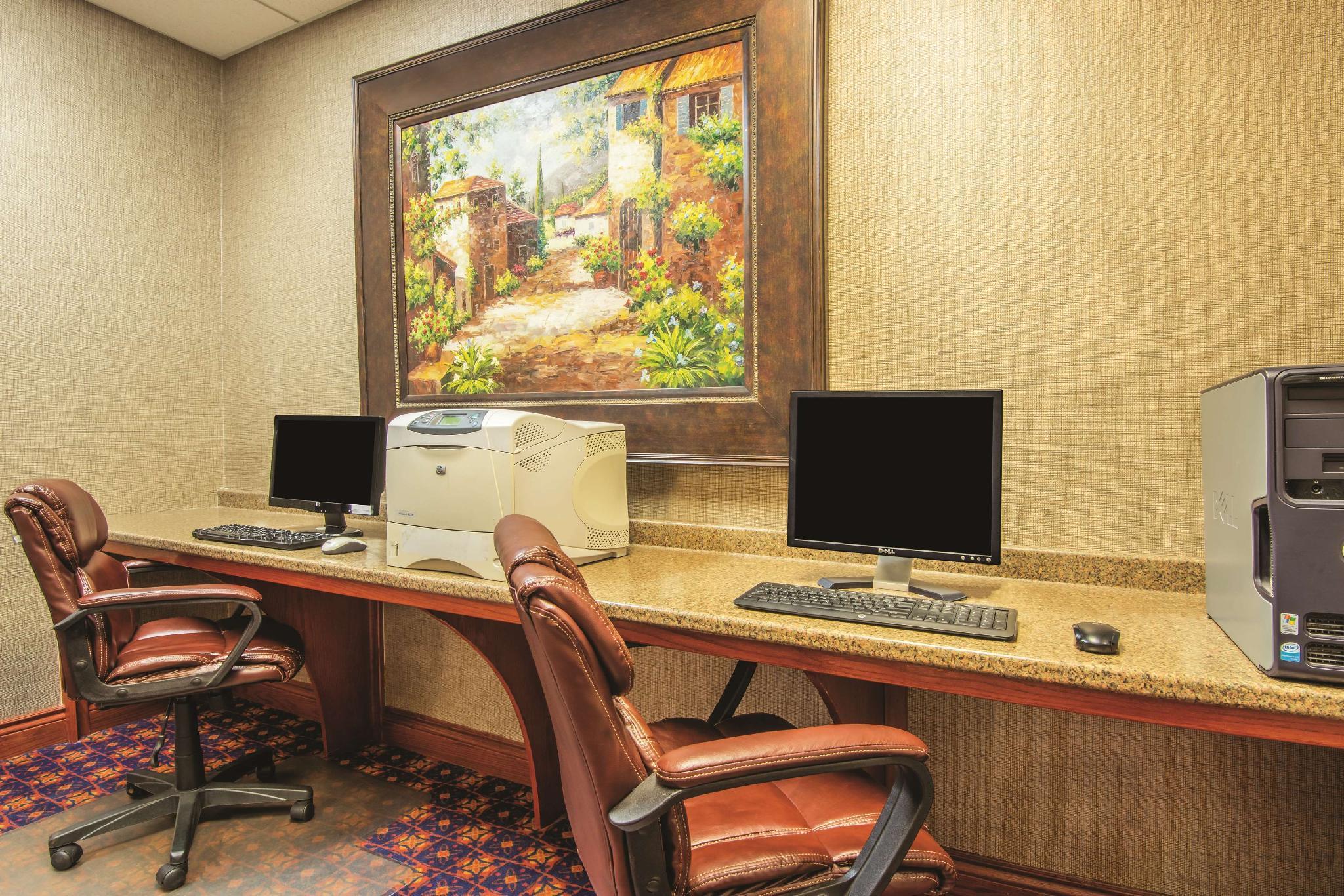 La Quinta Inn & Suites By Wyndham Oklahoma City   Moore
