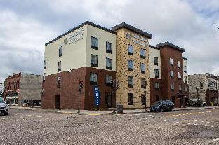 Cobblestone Hotel and Suites - Newton Newton (IL)