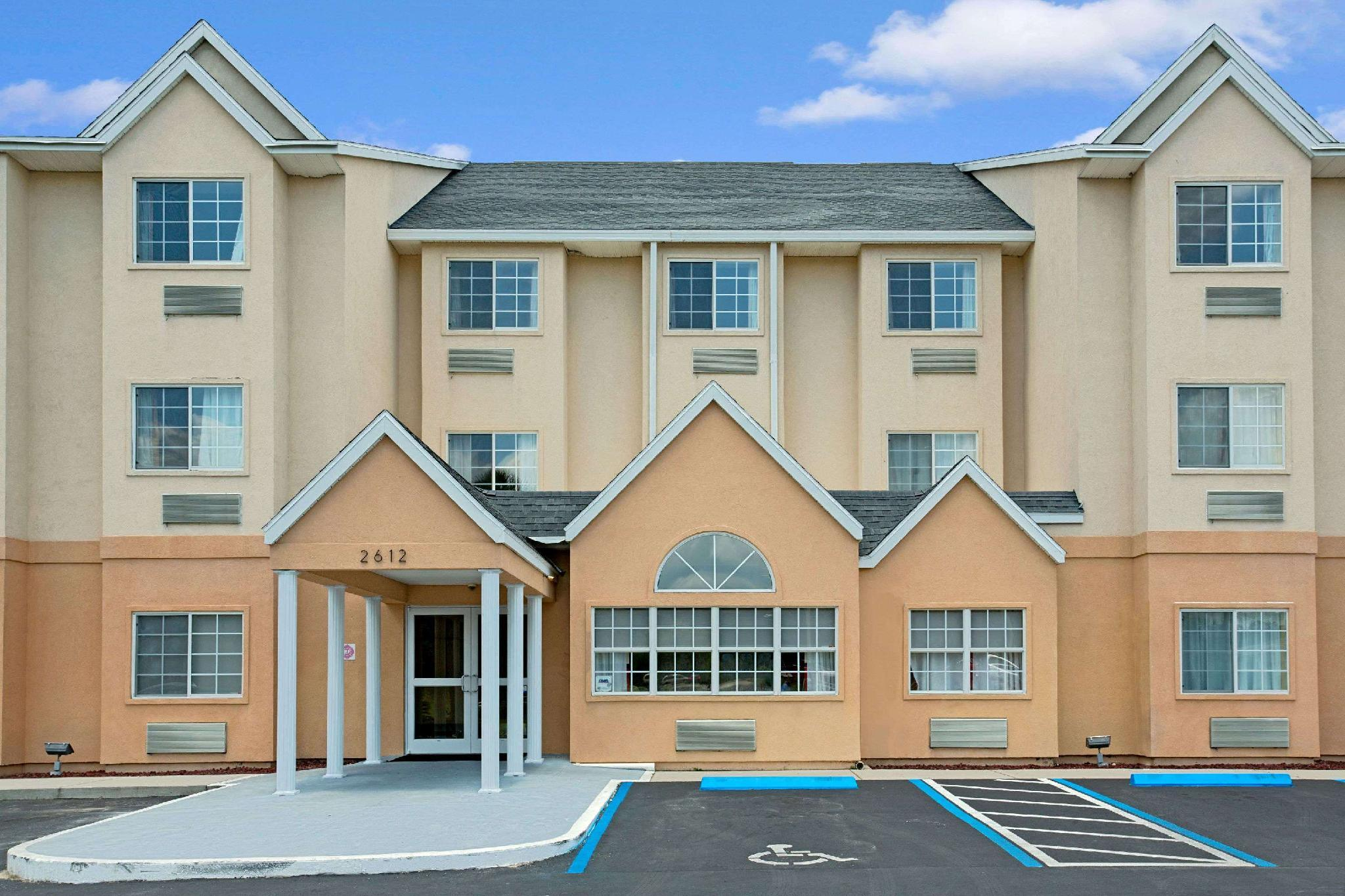 Microtel Inn And Suites By Wyndham Bushnell