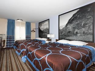 Super 8 By Wyndham Longmont/Twin Peaks Longmont (CO)