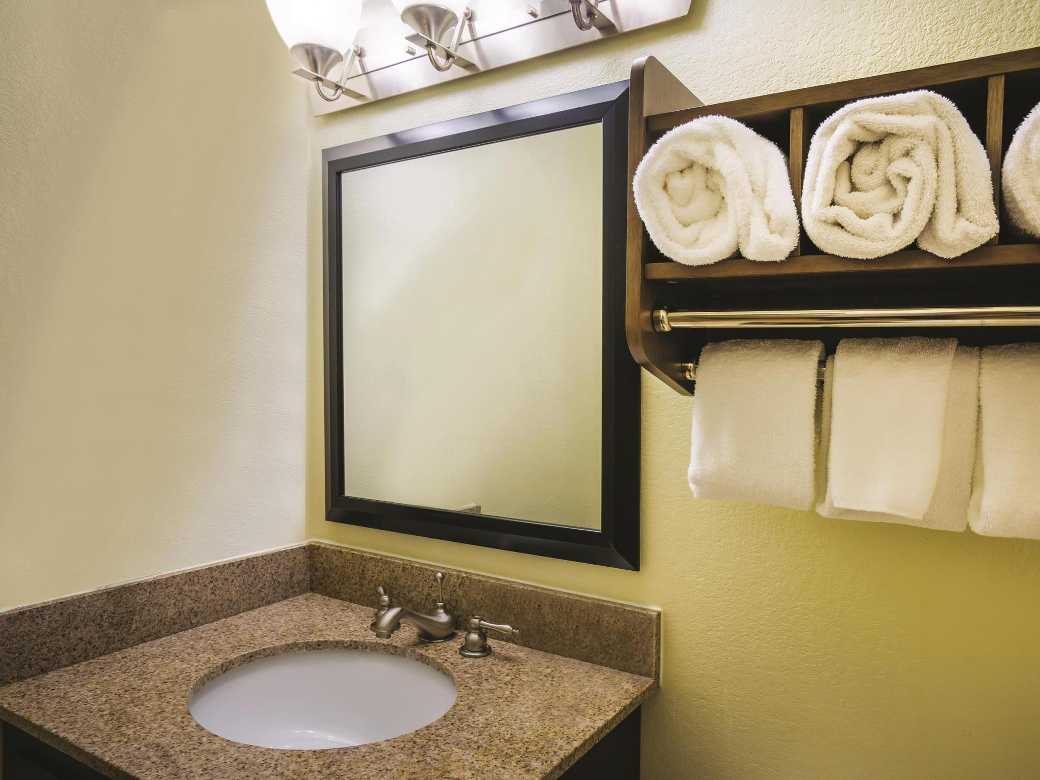 La Quinta Inn & Suites By Wyndham Baltimore S. Glen Burnie