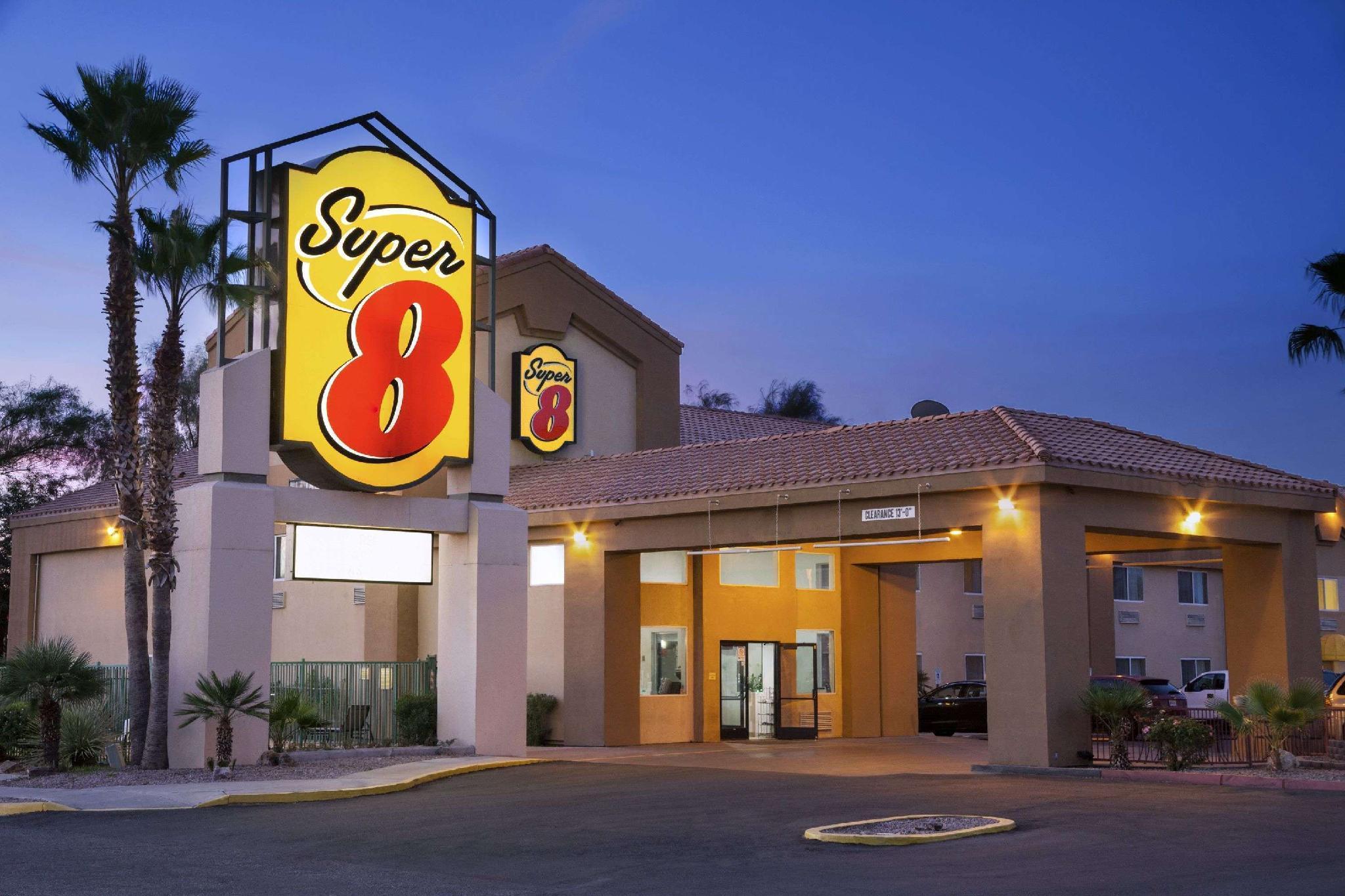 Super 8 By Wyndham Marana Tucson Area