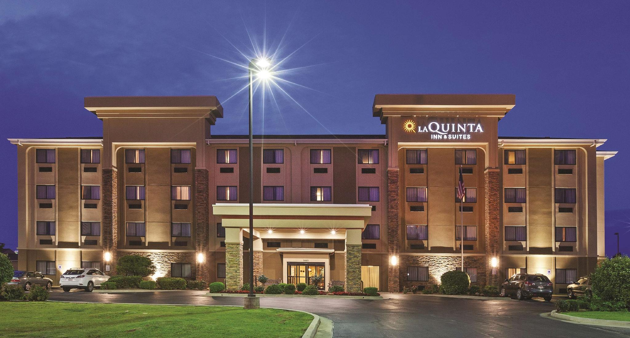 La Quinta Inn And Suites By Wyndham Midwest City   Tinker AFB