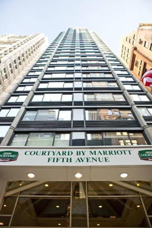 Courtyard New York Manhattan Fifth Avenue New York