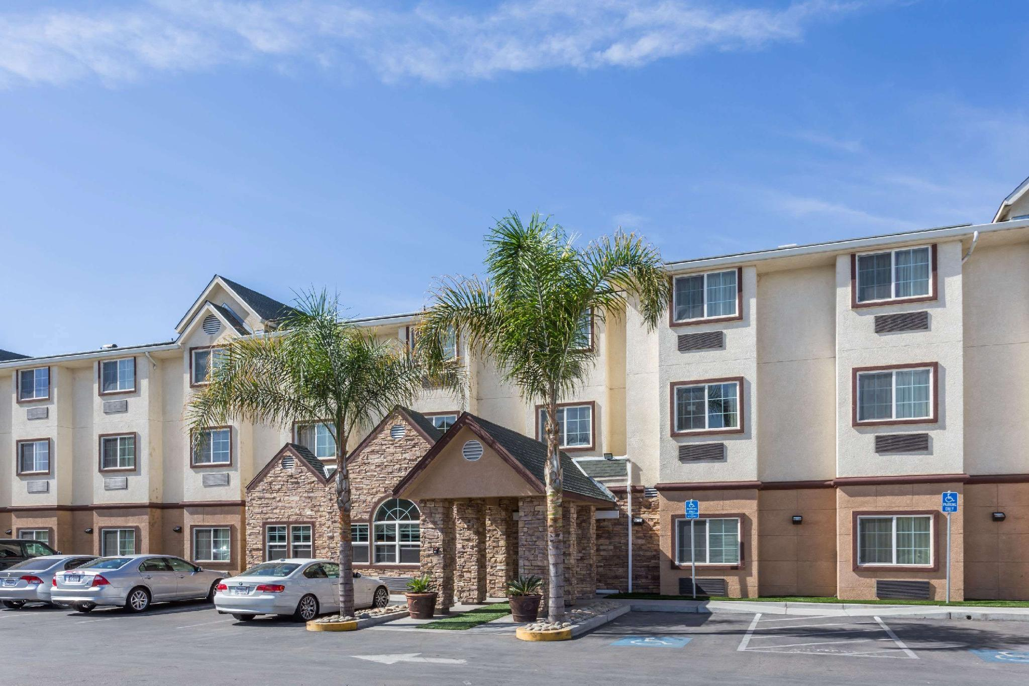 Microtel Inn And Suites By Wyndham Tracy