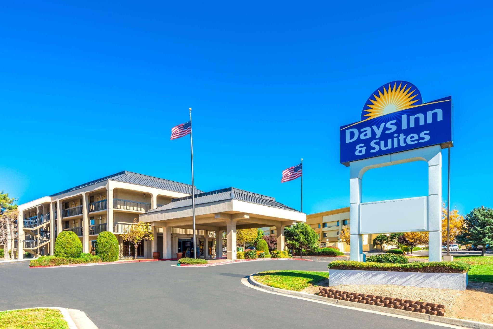 Days Inn And Suites By Wyndham Albuquerque North