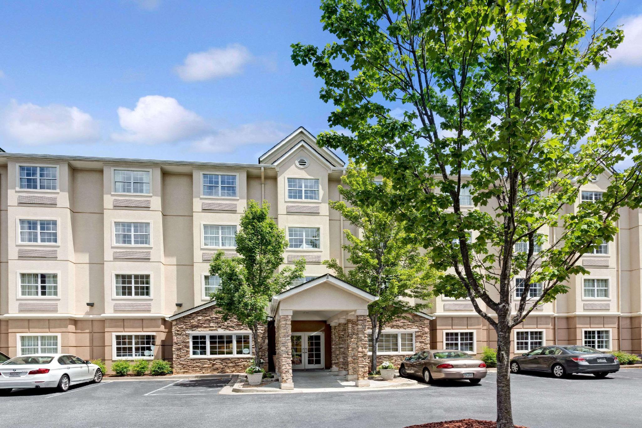 Microtel Inn And Suites By Wyndham Atlanta Perimeter Center
