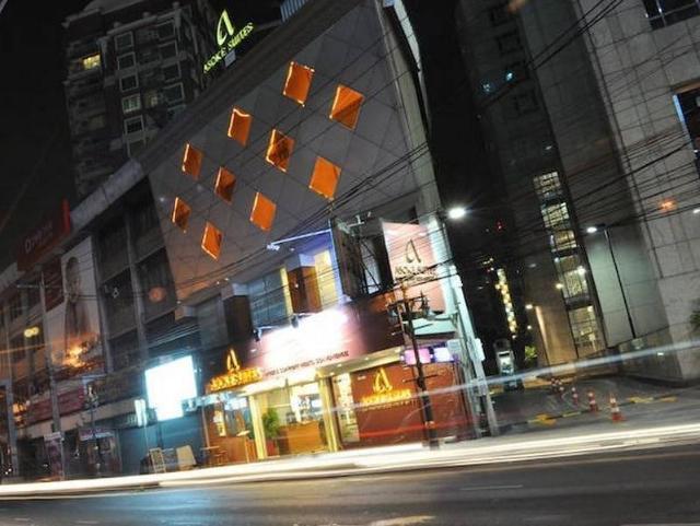 โรงแรมอโศกสวีท – Asoke Suites Hotel