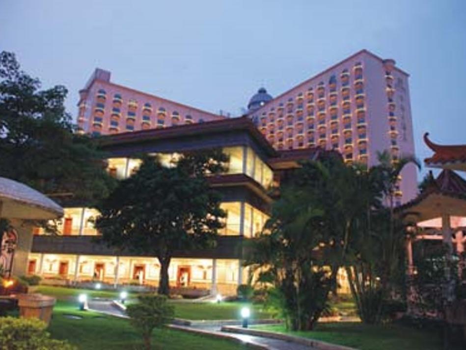 Review Centenio Kingdom Hotel