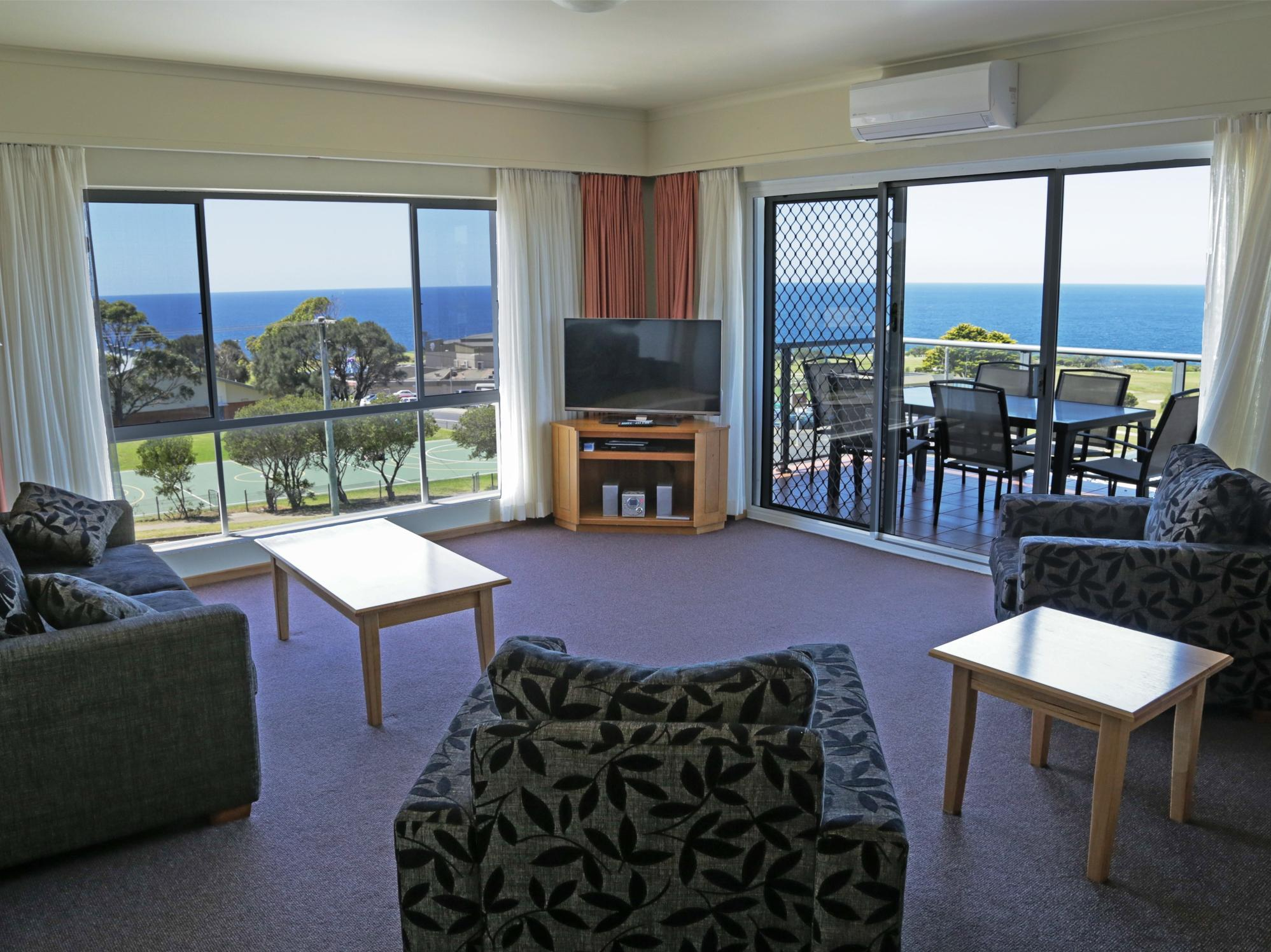 Amooran Oceanside Apartments And Motel
