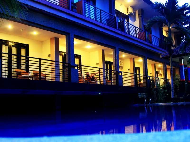 Taman Tirta Ayu Pool And Mansion